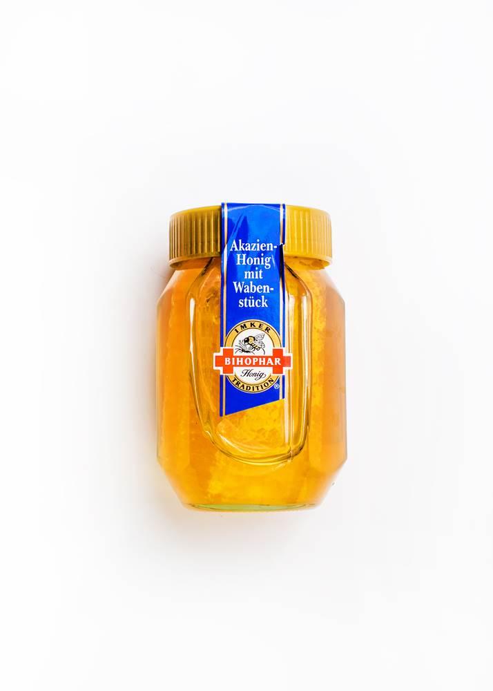 Buy Bihophar Akazien-Honig mit Wabenstück  in Berlin with delivery